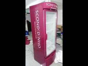 geladeira-bebidas-envelopamento-geladeiraenvelopamentocuritia