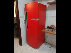 geladeira-vermelha-envelopamentocuritiba